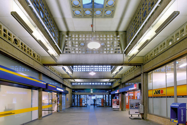 De collectie bijzondere stationsgebouwen in nederland for Interieur tijdschriften nederland