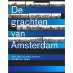 De grachten van Amsterdam. 400 jaar bouwen, wonen, werken en leven | Jos Smit, Koen Kleijn, Ernest Kurpershoek | 9789068686357