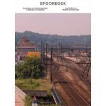 SPOORBOEK. Vernieuwing van stationsomgevingen in Vlaanderen en Nederland | Joeri De Bruyn, Maarten Van Acker | 9789491789007
